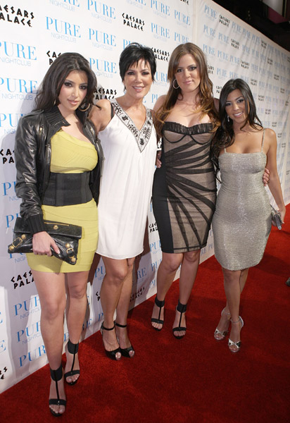 kim-kardashian-kris-kardashian-khloe-kardashian-and-kourtney-kardashian-attend-pure-nightclub-for-khloe-kardashians-birthday-on-june-27-2008-in-las-vegas-nevada-55221521marleaux6302008120539am