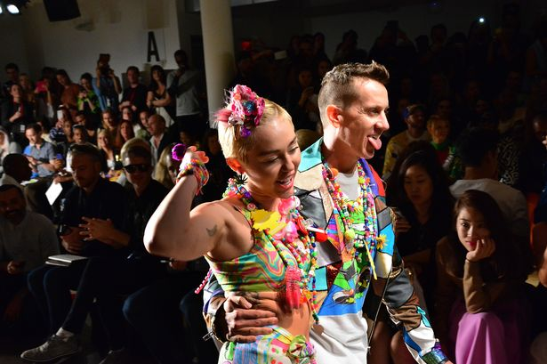 Miley-Cyrus-and-designer-Jeremy-Scott
